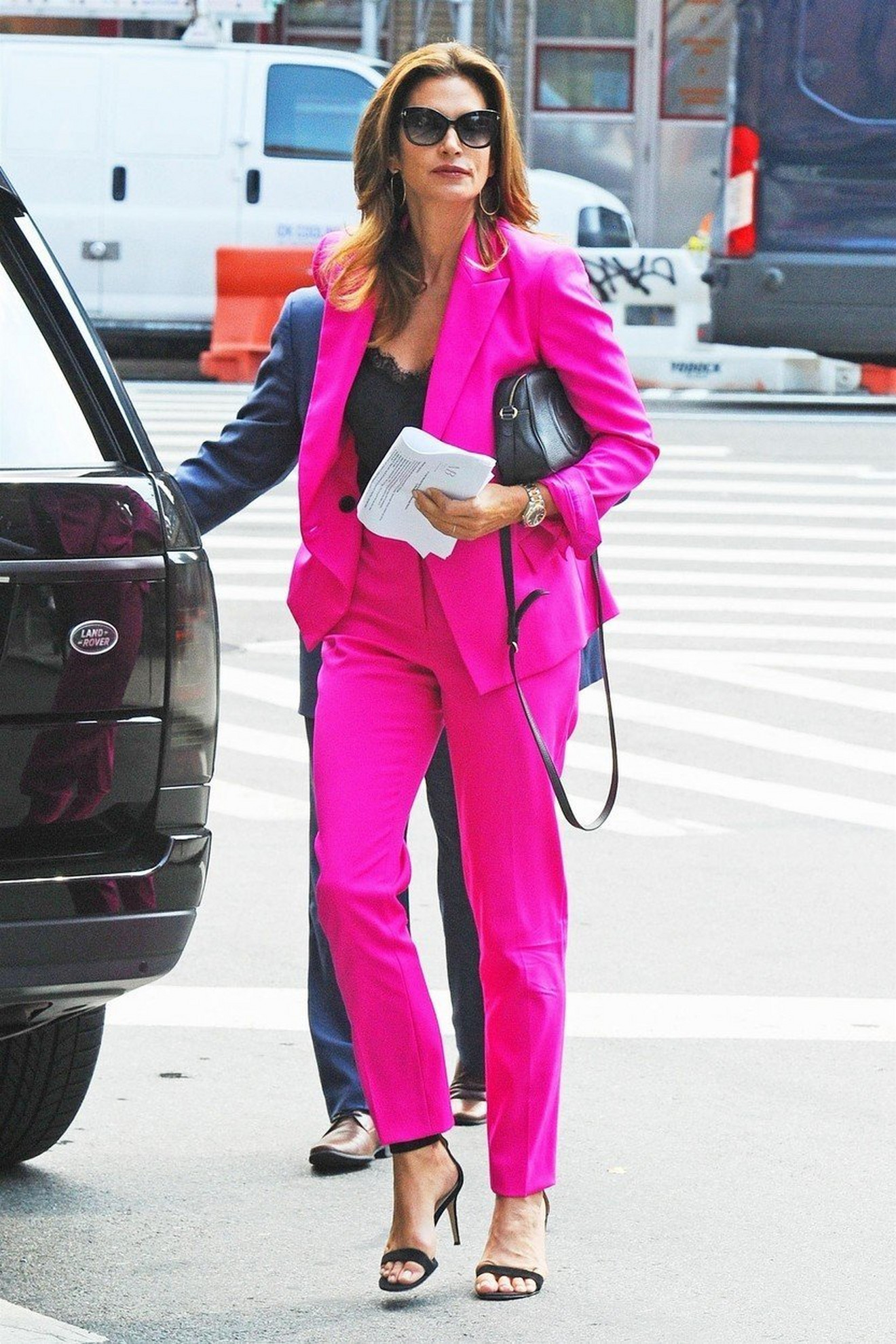 Ženska odela - Sindi Kraford