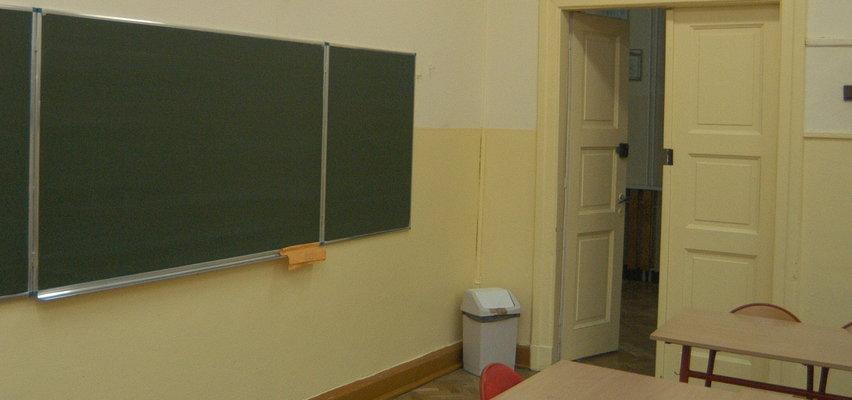 Nauczycielka z Torunia srogo ukarana. Bo poruszyła na lekcji ważny temat
