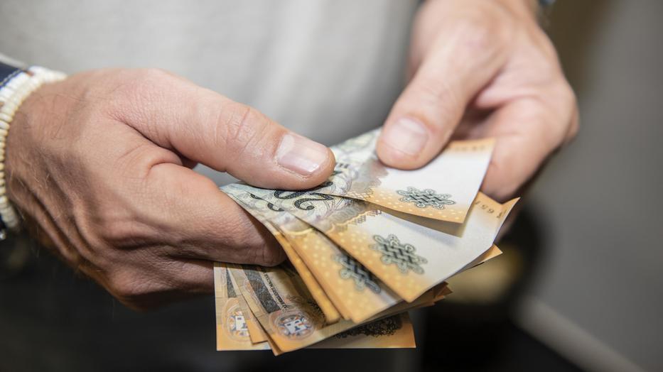 Gigafizetés, végzettség sem kell: rengeteg magyar munkást keresnek - Pénzcentrum