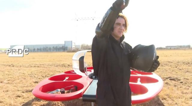 Željko Mitrović - Flying car