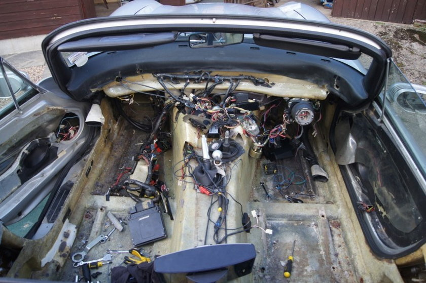 Stary kabriolet TVR Chimaera przerobiony przez pasjonatów ze Szkocji