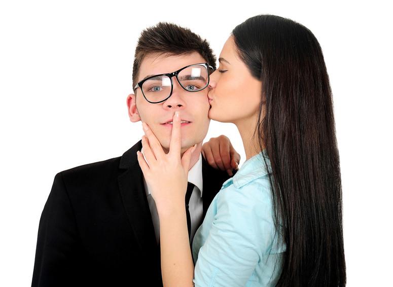 różnica randki i spotykać się