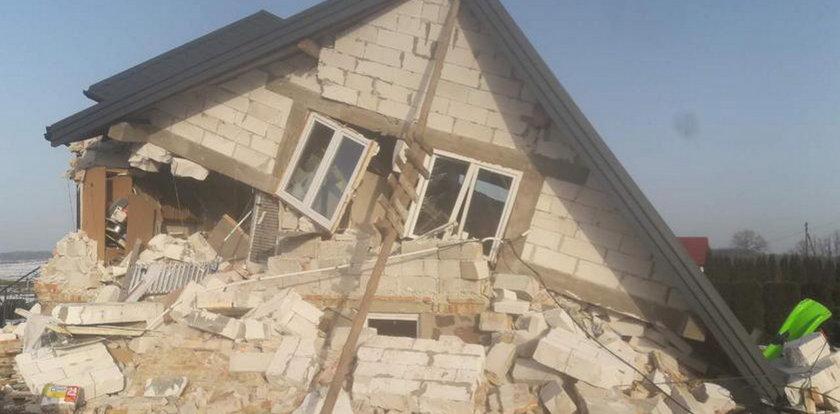 Dramat w Podlaskiem. Dom doszczętnie zniszczony. Trzy osoby ranne