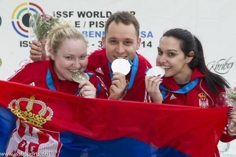 Kako Ivana Maksimović slavi medalju! FOTO