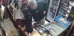Grozi nożem i ukradli pieniądze