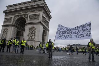 Premier Francji zapowiada ostrzejsze traktowanie wykroczeń i nielegalnych manifestacji