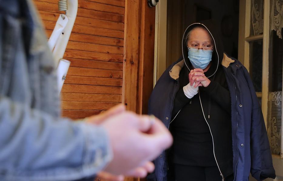 Éva egy élet munkáját vesztette el, mostantól otthontalan / Fotó: Grnák László