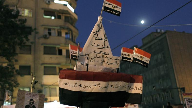 Borusewicz wśród protestujących na placu Tahrir w Kairze