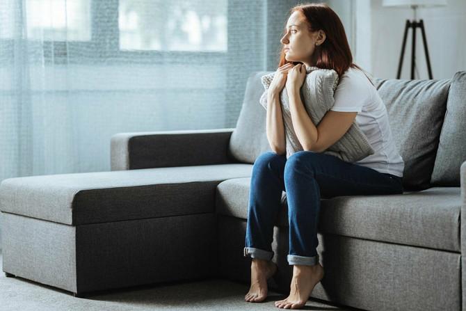Ako je neko u vašoj porodici ili neko od vaših prijateljica doživeo spontani pobačaj, razgovarajte sa njom, što češće