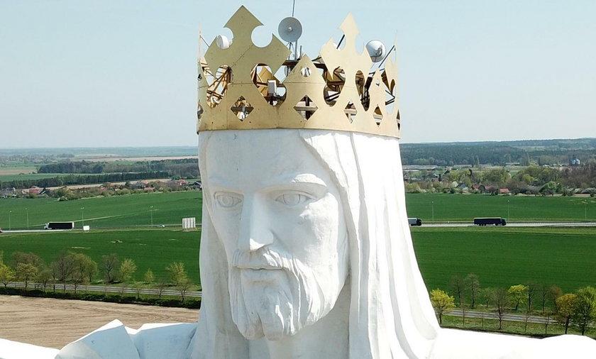 Głowa Chrystusa Króla nadaje internet