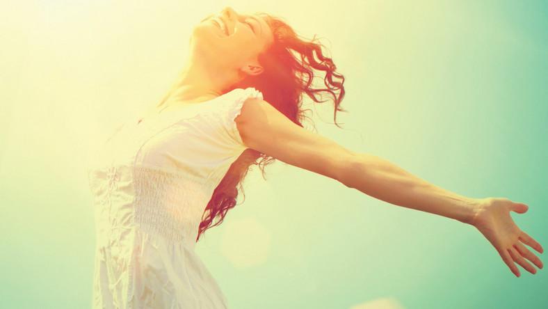Jeśli chcesz, by twoja praca nad zdrowym i szczęśliwym życiem nie poszła na marne, staraj się wprowadzić dobre nawyki na stałe, a nie tylko na chwilę. Rozplanuj sobie wszystkie działania i stopniowo je realizuj. Możesz skorzystać z naszych podpowiedzi. Ważne, byś jeden dobry nawyk wprowadzał w jeden dzień, a kolejny dopiero następnego dnia
