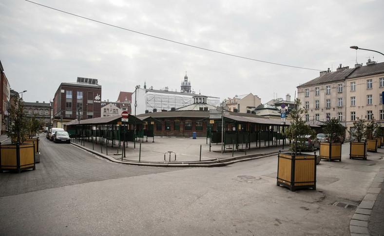 Opustoszały plac Nowy na krakowskim Kazimierzu
