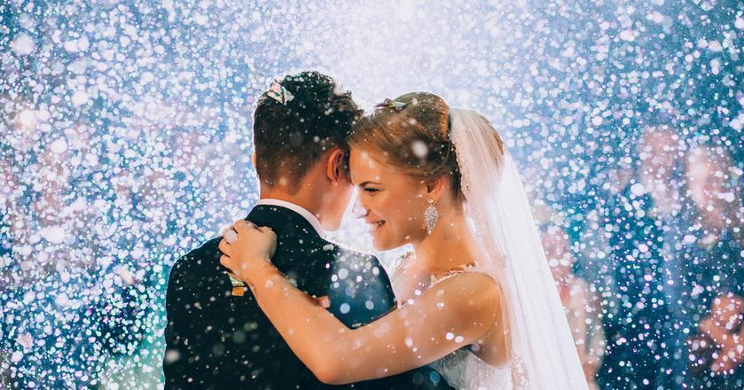 W przypadku ślubu przysługują nam 2 dni dodatkowego urlopu okolicznościowego