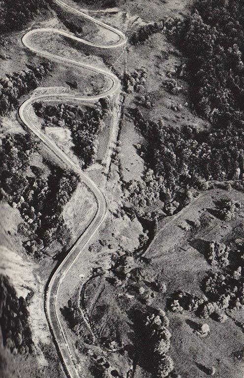 Zachodni wjazd na Przełęcz Wyżną, 1968 r.