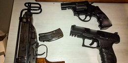Broń, narkotyki i 60 kobiet w fałszywej agencji nieruchomości
