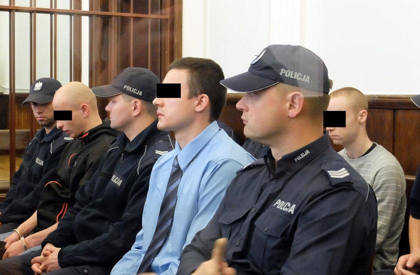 25, 15 i 12 lat więzienia - takie kary utrzymał w piątek Sąd Apelacyjny w Białymstoku
