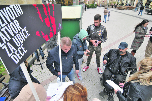 Sakupljeno 158.000 potpisa građana širom Srbije