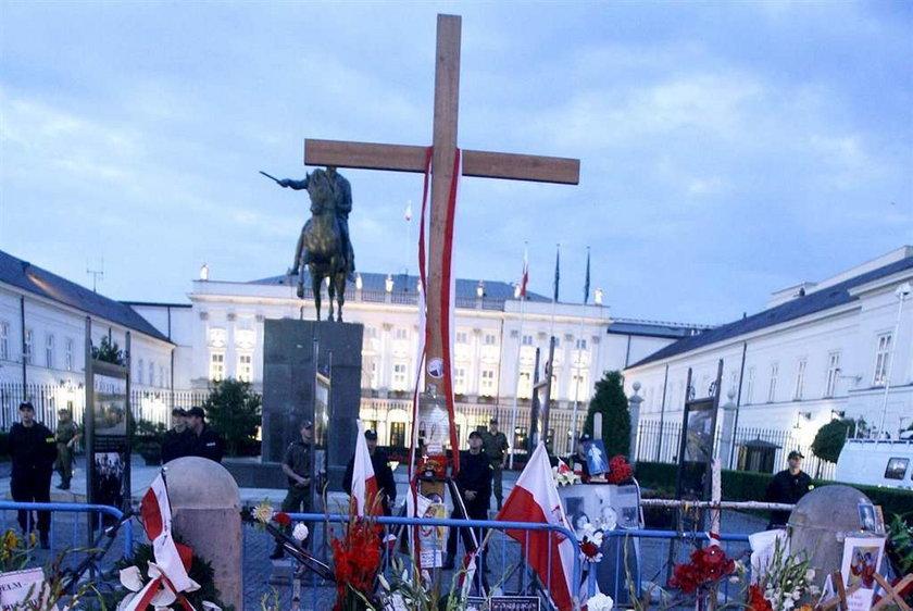 """""""Solidarność"""" wesprze obrońców krzyża"""