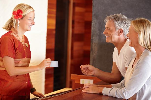 Czy można sobie wyobrazić otrzymanie pieniędzy za kartę kredytową? Oczywiście, że tak.