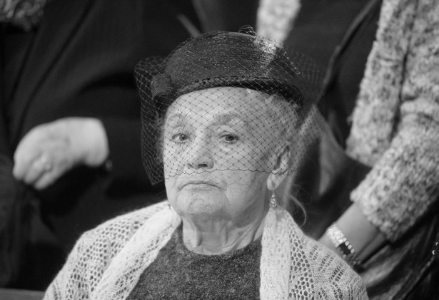 Warszawa: Na Starych Powązkach pochowano Barbarę Jaruzelską