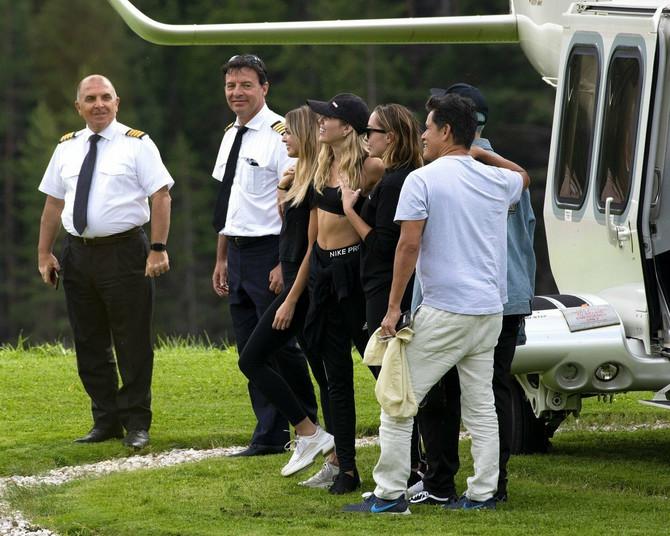 Odmor u Italiji na kojem je bila i polusestra Majli Sajrus prethodnio zvaničnom saopštenju o razvodu