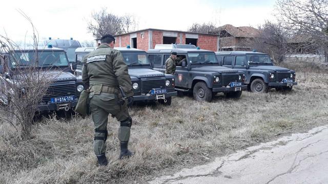 Veliki broj policajca prebacio se na teren oko sela Glogovac
