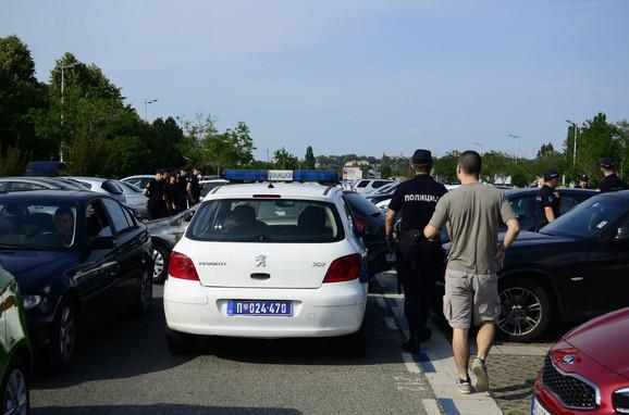 Policija na prilazima Gazeli