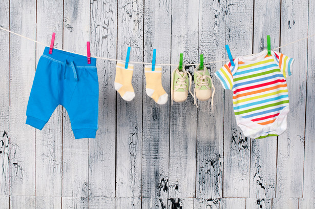 VAT na ubranka dla dzieci bez zmian. Na razie?