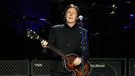 """Paul McCartney prosi o """"współczucie i dobroć""""  dla dziewczyn z Pussy Riot"""