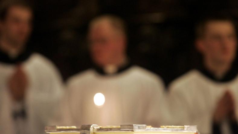 Polscy księża coraz częściej ściągają gotowe homilie z internetu i odczytują wiernym jako własne