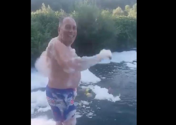 Dragan Mektić kupanje