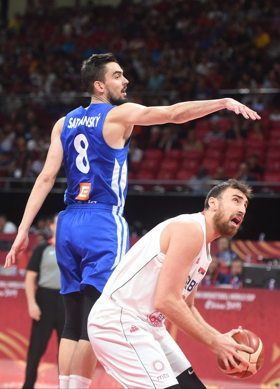 Nikola Milutinov na utakmici Svetskog prvenstva u Kini