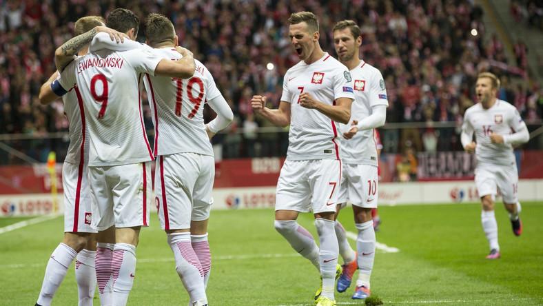 55201d893 Ranking FIFA: Polska szóstą drużyną świata. Niewiele brakło, by było ...