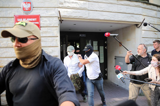 Sąd nie uwzględnił zażalenia Sławomira Nowaka. Były minister w areszcie co najmniej do połowy kwietnia