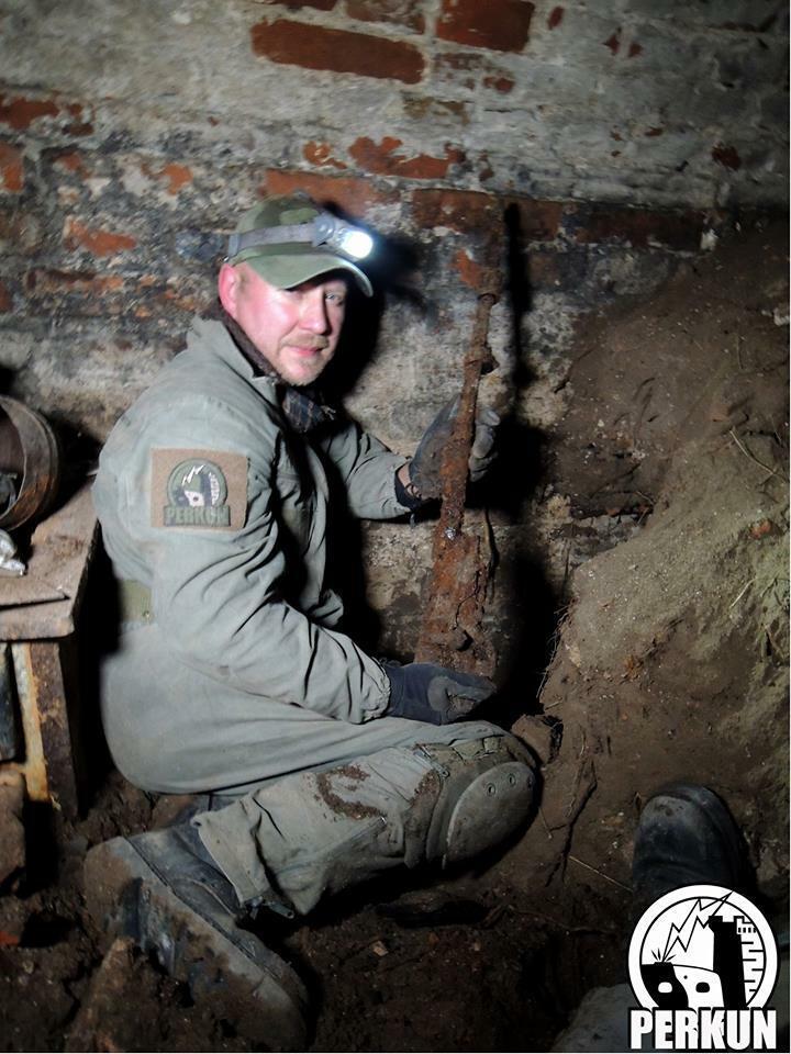 W Kostrzynie znaleźli niemiecką piwnicę. Żołnierze mieli tam kuchnię