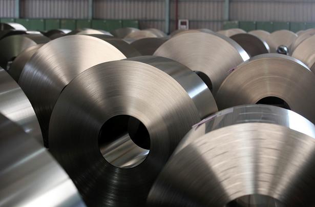 """Ponad 40 proc. rynku obrotu prętami stalowymi, używanymi na budowach, """"jest zarażona patologią związaną z wyłudzeniami VAT""""."""