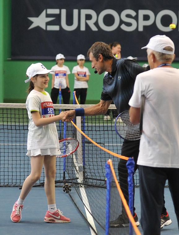 Mats Vilander tokom druženja sa mladim teniskim nadama Srbije u Beogradu