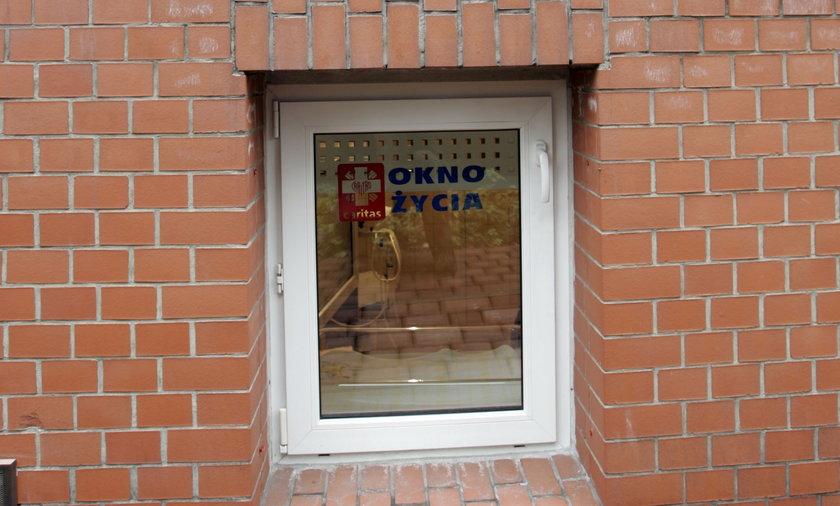 Z piątku na sobotę pozostawiono kilkumiesięczną dziewczynkę w częstochowskim oknie życia. Dziecko ma prawdopodobnie zespół Downa.