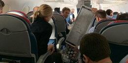Samolot pikował w dół, stewardessą rzucało jak szmacianą lalką