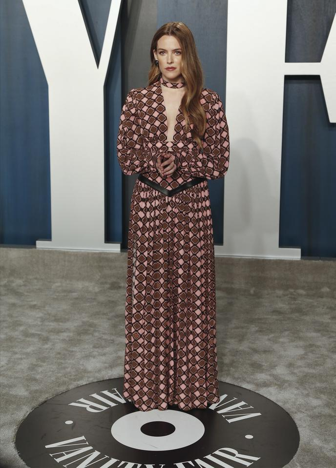 Oscary 2020: Riley Keough na Vanity Fair Oscar Party