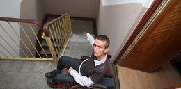 Przyznali inwalidzie na wózku mieszkanie na piętrze
