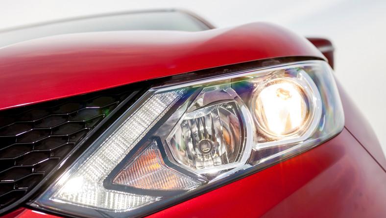 """Eksperci brytyjskiego magazynu """"Diesel Car"""" najlepsze auta z silnikiem Diesla wybrali po sprawdzeniu ponad 200 modeli - z tej liczby została wyłoniona lista 28 finalistów. W testach pomagali im mechanicy z Evolution Chips - firmy, która na Wyspach Brytyjskich jest zaliczana do czołówki specjalistów zajmujących się modyfikacjami silników wysokoprężnych. Oto najlepsze samochody napędzane jednostką dieslowską…"""