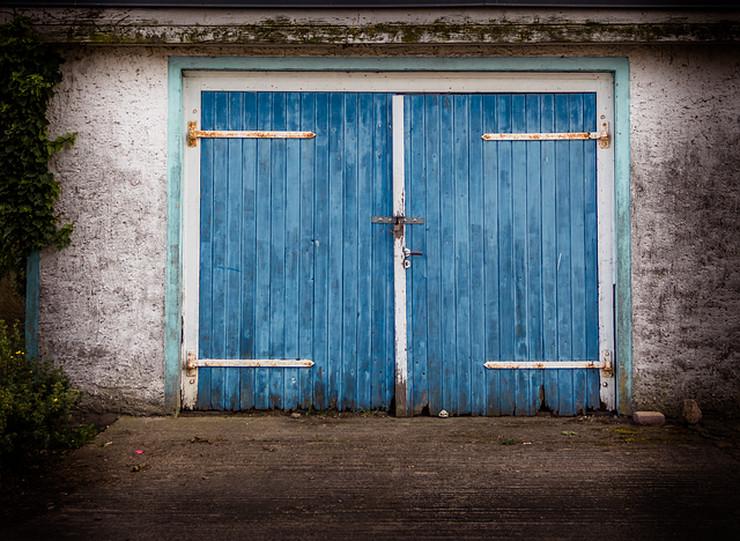 old-gate-2719857 640 garaža