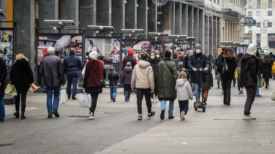 Megteltek az utcák Milánóban, miután enyhítették a korlátozásokat / Fotó: MTI EPA Matteo Corner