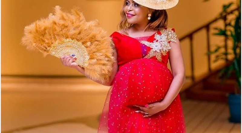Size 8 treated to surprise Baby shower [Video]