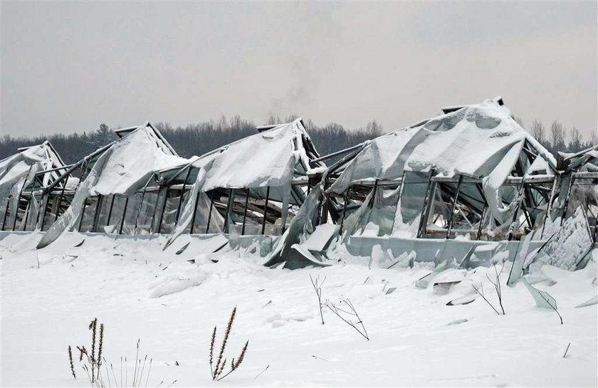 Śnieg zabija! Runęły dachy. ZDJĘCIA