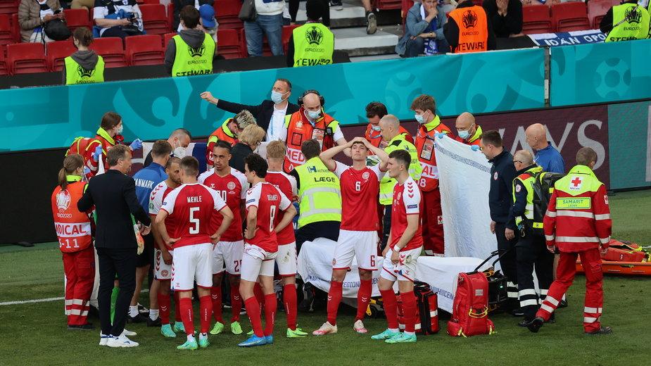 Christian Eriksen padł na murawę podczas meczu