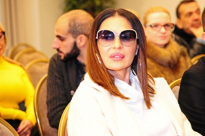 Publika u Budvi jedva čeka da je čuje: dok bude boravila u Crnoj Gori, Ceca će najverovatnije biti u svom stanu