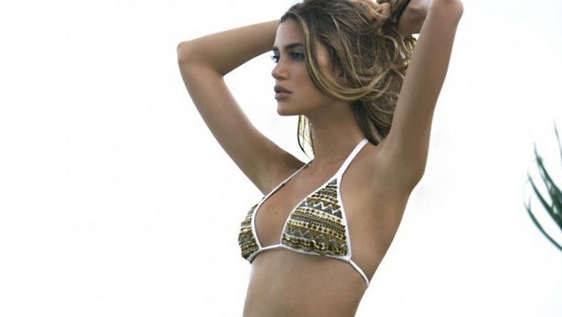 Brazylijska firma Despi pokazała najnowszą kolekcję kostiumów kąpielowych. Do udziału w sesji zaproszono gorącą Brazylijkę Biancę Klamt