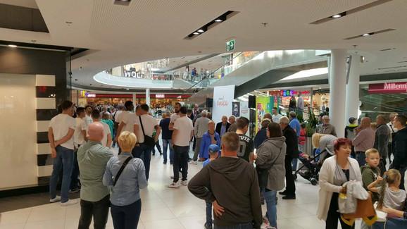 Promocija ekipe Košalina je održana u tržnom centru